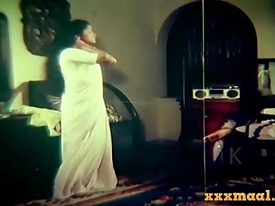 xxxmaal.com-Hot Saree And Blouse Strip