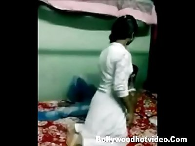 Desi Indian College Student Mukta molten Lovemaking Vid
